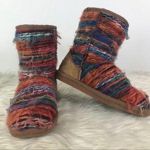 Lamo Juarez colored yarn fur lined short boots sz3